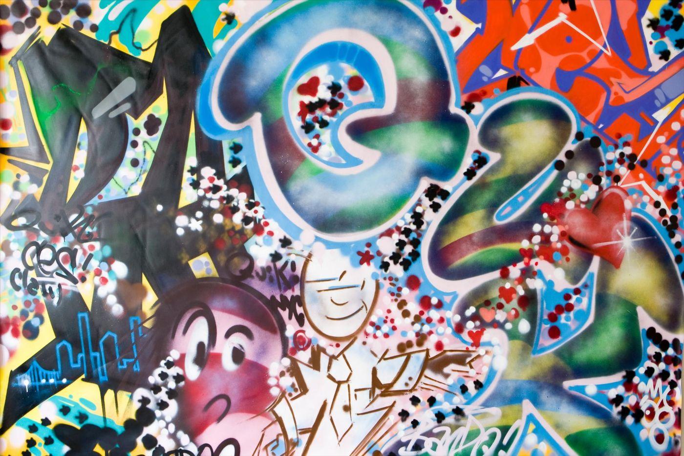 Celui Ci Est Beaucoup Plus Récent, Cu0027est Lu0027art Du Graffiti. Ce Mot Vient De  La Pression De La Bombe Aérosol Et De La Rue, Cu0027est Un Art Dit U201d Sous  Pression U201c ...